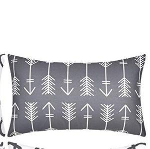 ⭐NEW⭐ - Arrow Design Lumbar Pillow - 12X20